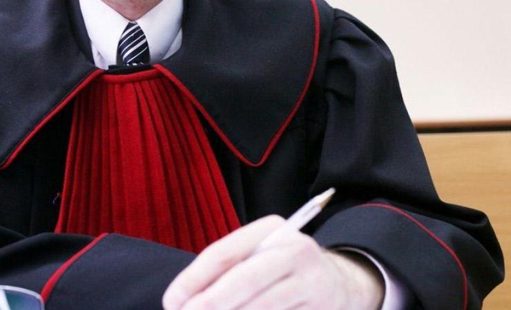 Dołączenie prokuratora do sprawy cywilnej